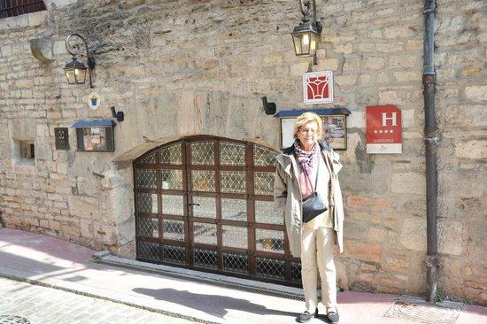 Abbaye de Maizieres: The main entry