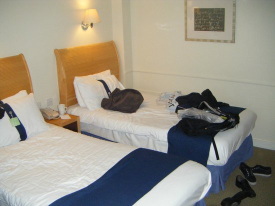 Holiday Inn Cardiff City Centre: Beds