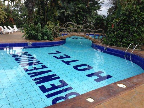Arenal Paraiso Hotel Resort & Spa: Normal-temperature pool