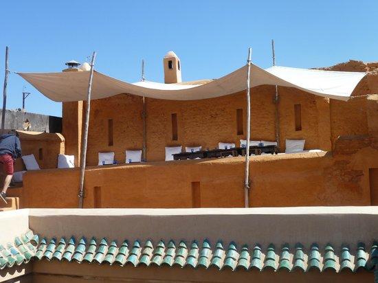 Riad Aladdin: Une des terrasses