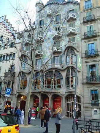 Paseo de Gracia (Passeig de Gracia): Casa batlló en Paseo de Gracia