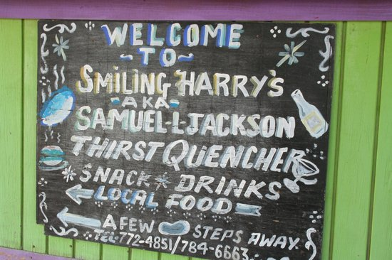 Smiling Harry's: Sign at main location