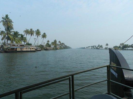 Backwater Retreat Theme House: Backwaters