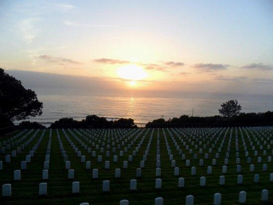 Fort Rosecrans Cemetery : Sun settting