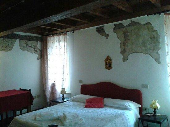 Alle Giostre Antico Alloggio: camera degli affreschi