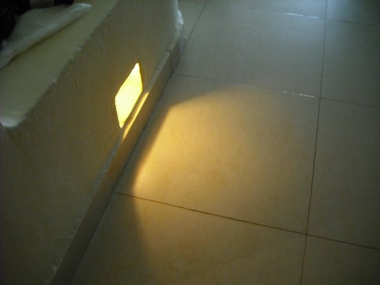 Azul Beach Resort Sensatori Mexico: Low level lighting in room, very useful.