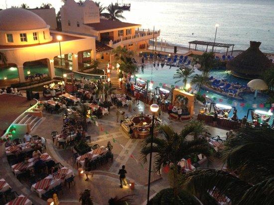 El Cozumeleño Beach Resort: Pool Dinner Night