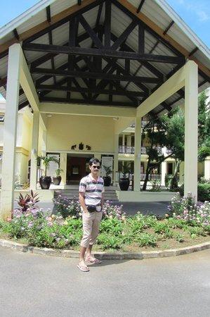 Tarisa Resort & Spa : The front