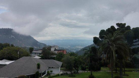 Hotel Quito: Vista dos quartos voltados para a piscina