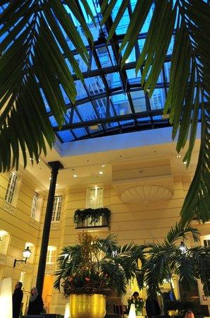 Polonia Palace Hotel: Le lobby sous la verrière