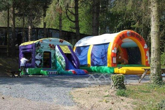 Camping L'escapade : jeux gonflables