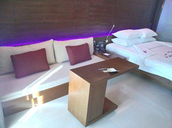 Novotel Phuket Kata Avista Resort and Spa: canapé