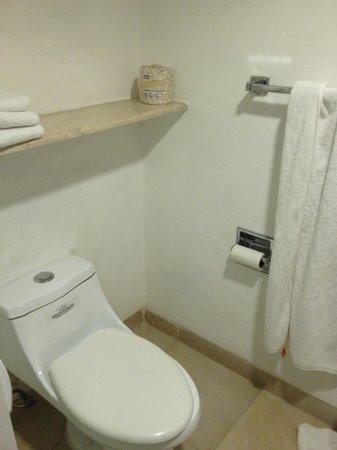 Ocean Spa Hotel: Banheiro