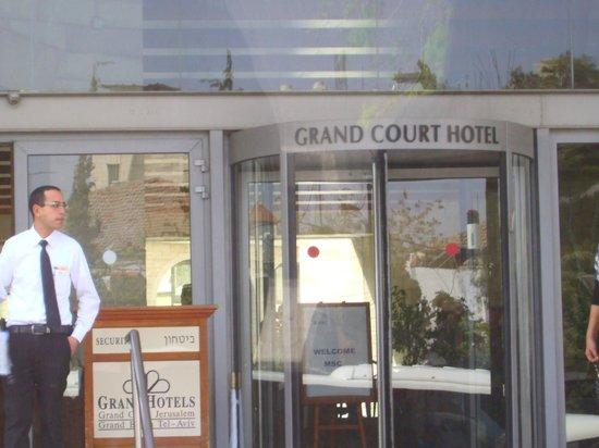Grand Court Hotel: Eingangsbereich