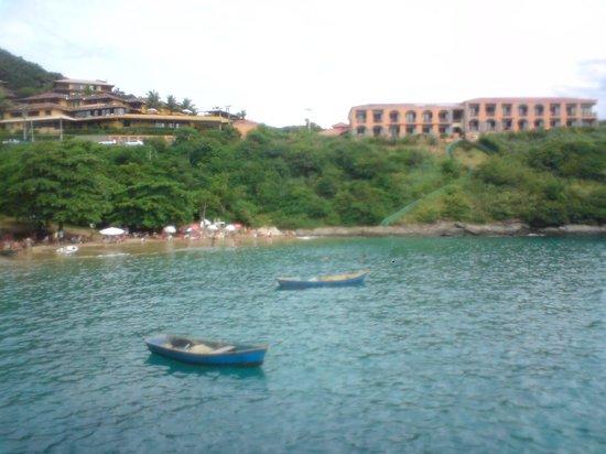 Colonna Park Hotel: Vista do hotel pela praia de J.Fernandinho