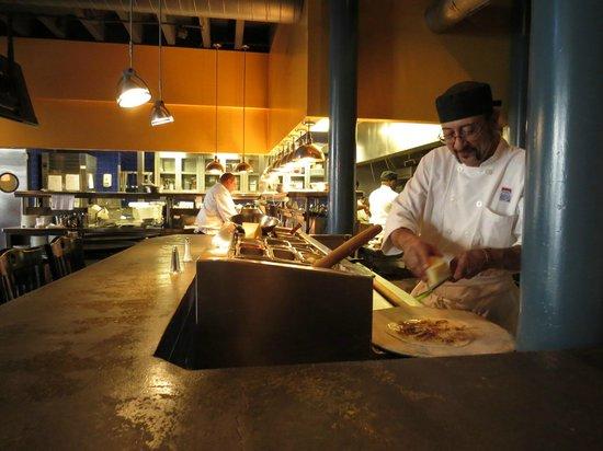 Nola Restaurant: Open kitchen is fun to see.
