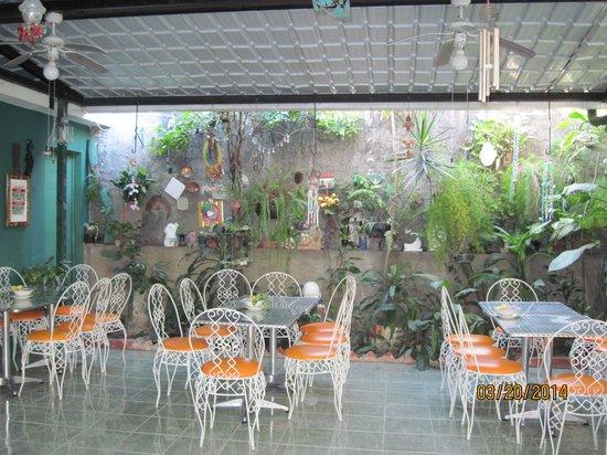 Hotel Oasis: Dining Area