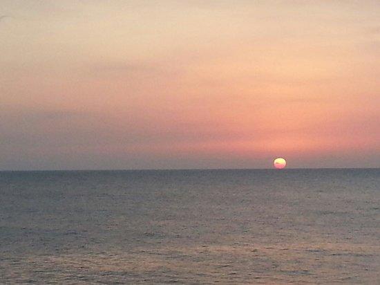 Tensing Pen Resort: Sunset View from Tensing Pen