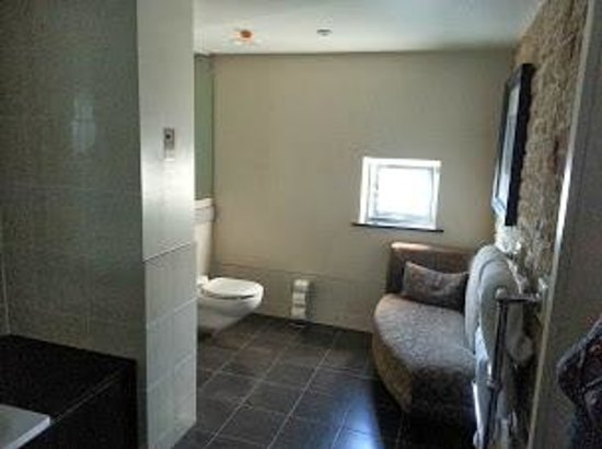 Malmaison Oxford Castle: Bathroom
