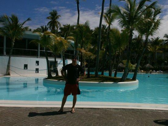 Hotel Riu Naiboa : En la piscina