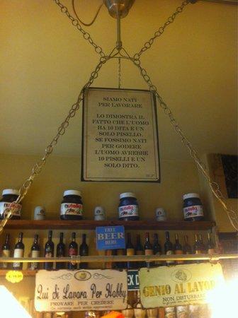 Amici di Ponte Vecchio Da Stefano : All'entrata si può notare questo cartello molto divertente
