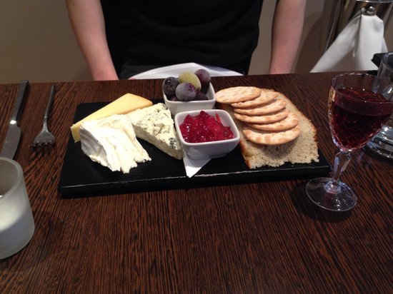Mussi's: Cheese selection of the day
