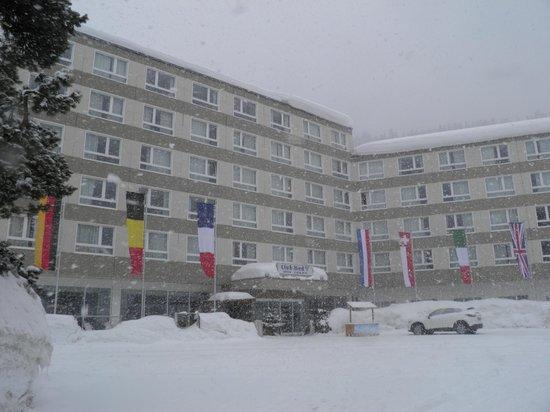 Club Med Saint Moritz Roi Soleil : Le club sous la neige