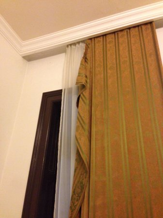 Rezime Crown: Curtains are falling down. Though we complaint, no one repaired