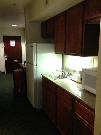 Hawthorn Suites by Wyndham Charleston: cozinha