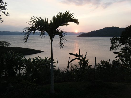 Restaurant Tinajas Arenal sobre el Lago: BEAUTIFUL SUNSET DINNER