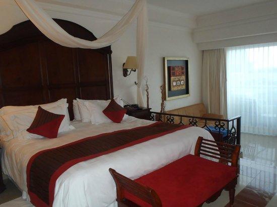 Gran Caribe Resort: Our room