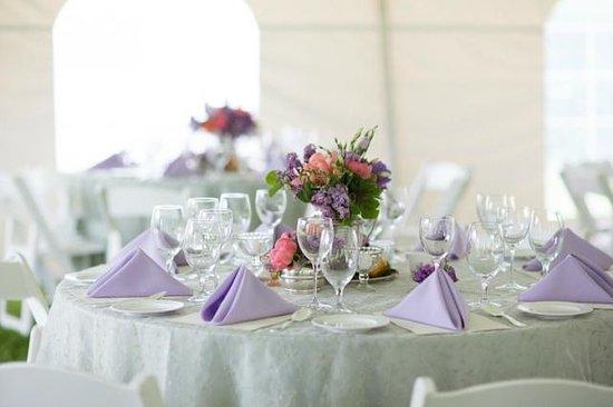 The Ashby Inn & Restaurant : Spring Tented Wedding