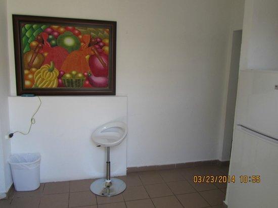Tres Palmas Inn: Kitchen room 12