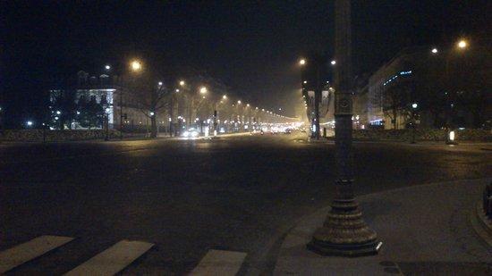 Champs-Élysées : VISTA 4