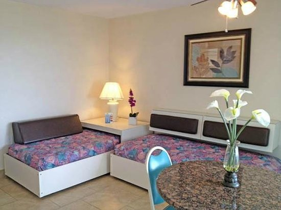 Crystal Beach Motor Inn: 2 Room Efficiency Suites