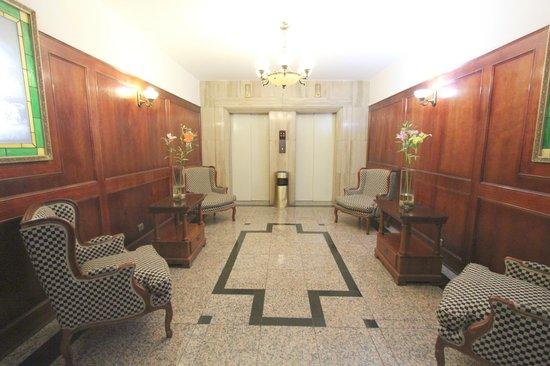 Hotel Panamericano: Hall de acesso aos apartamentos - Santiago do Chile