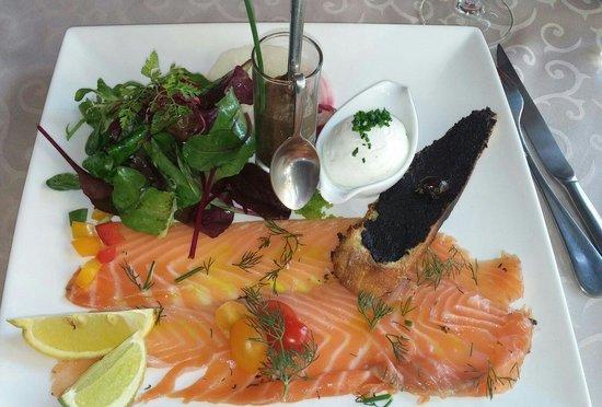 La Table de Francois : Entrée- Saumon mariné. ..