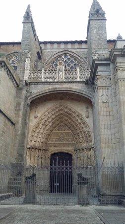 Palacio de los Velada: Entrada a la Catedral 4€ no dejan hacer fotos