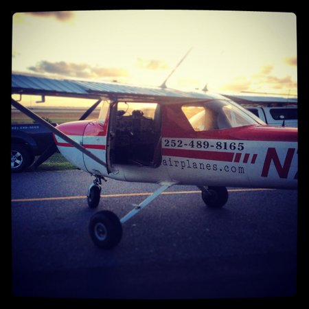 OBX Airplanes: N704EV at the end of the day.