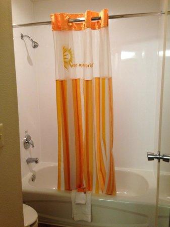 La Quinta Inn Savannah Midtown: banheiro
