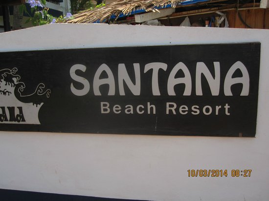 Santana Beach Resort : Entrance sign