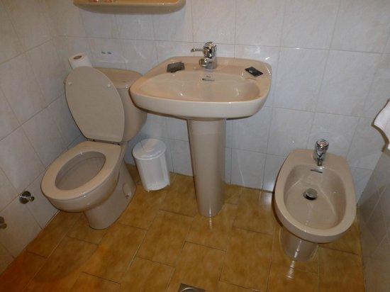 Las Sirenas : Euro toilet