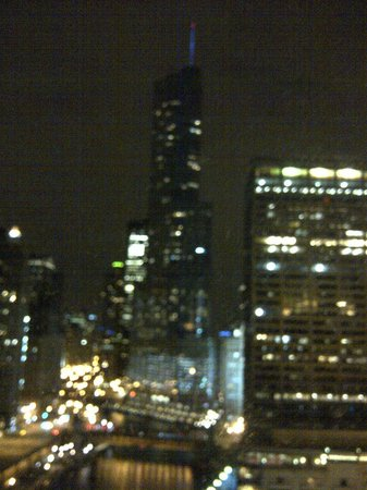 Sheraton Grand Chicago: Trump Building at night