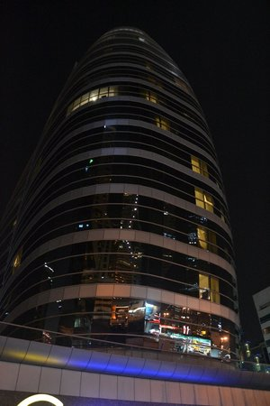 Auris Metro Central Hotel Apartments: hotel