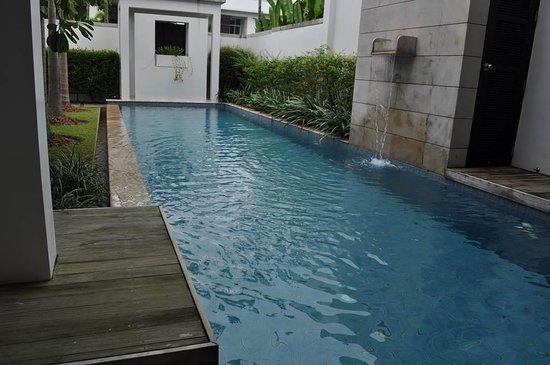 Two Villas Holiday Oxygen Style Bangtao Beach: Tu propia piscina (12 metros de largo)