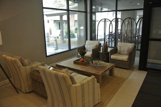 Beach House, A Holiday Inn Resort: Lobby