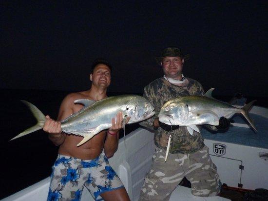 Fishing with Roberto Navarro : GTs