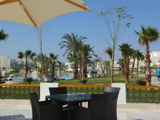Le Royal Holiday Resort: View from the terrace bar