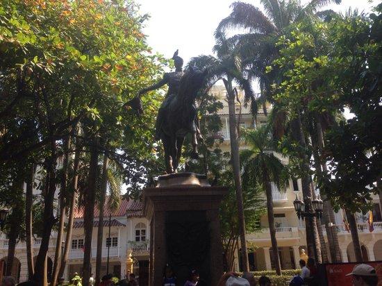 Plaza Santo Domingo : Bolivar