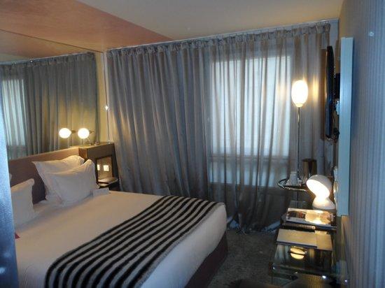 Hotel 7 Eiffel : Room 204